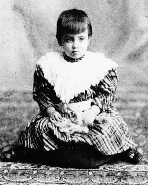 En 1902, a los tres años