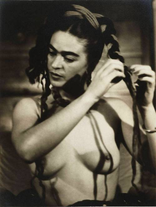 Frida Kahlo retratada por Julien Levy