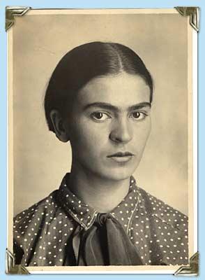 Frida retratada por su padre, Guillermo Kahlo