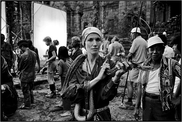 "Mary Ellen Mark, en el set de rodaje de ""Apocalypse Now"", 1976 (foto: Dean Tavoularis)"