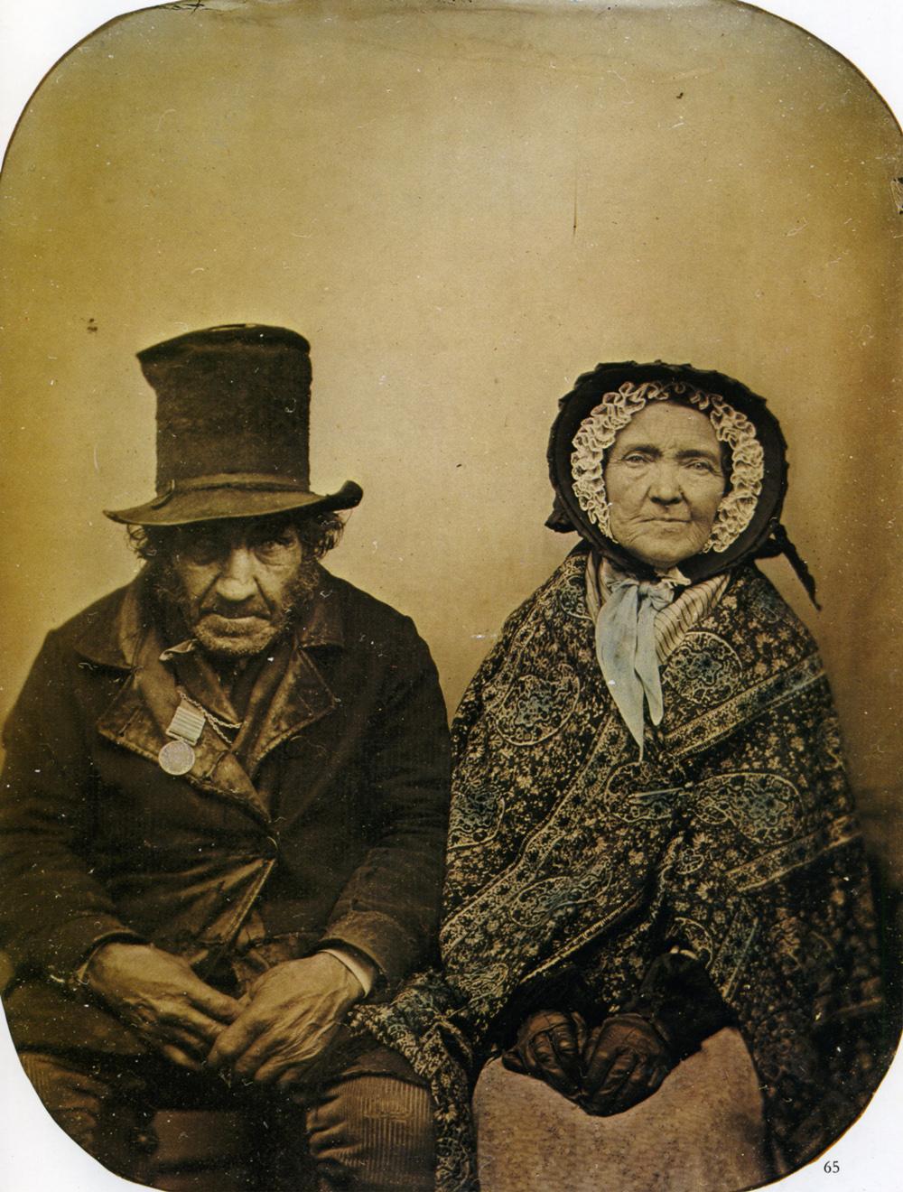 Veterano de guerra y su mujer (fotógrafo anónimo, 1860)