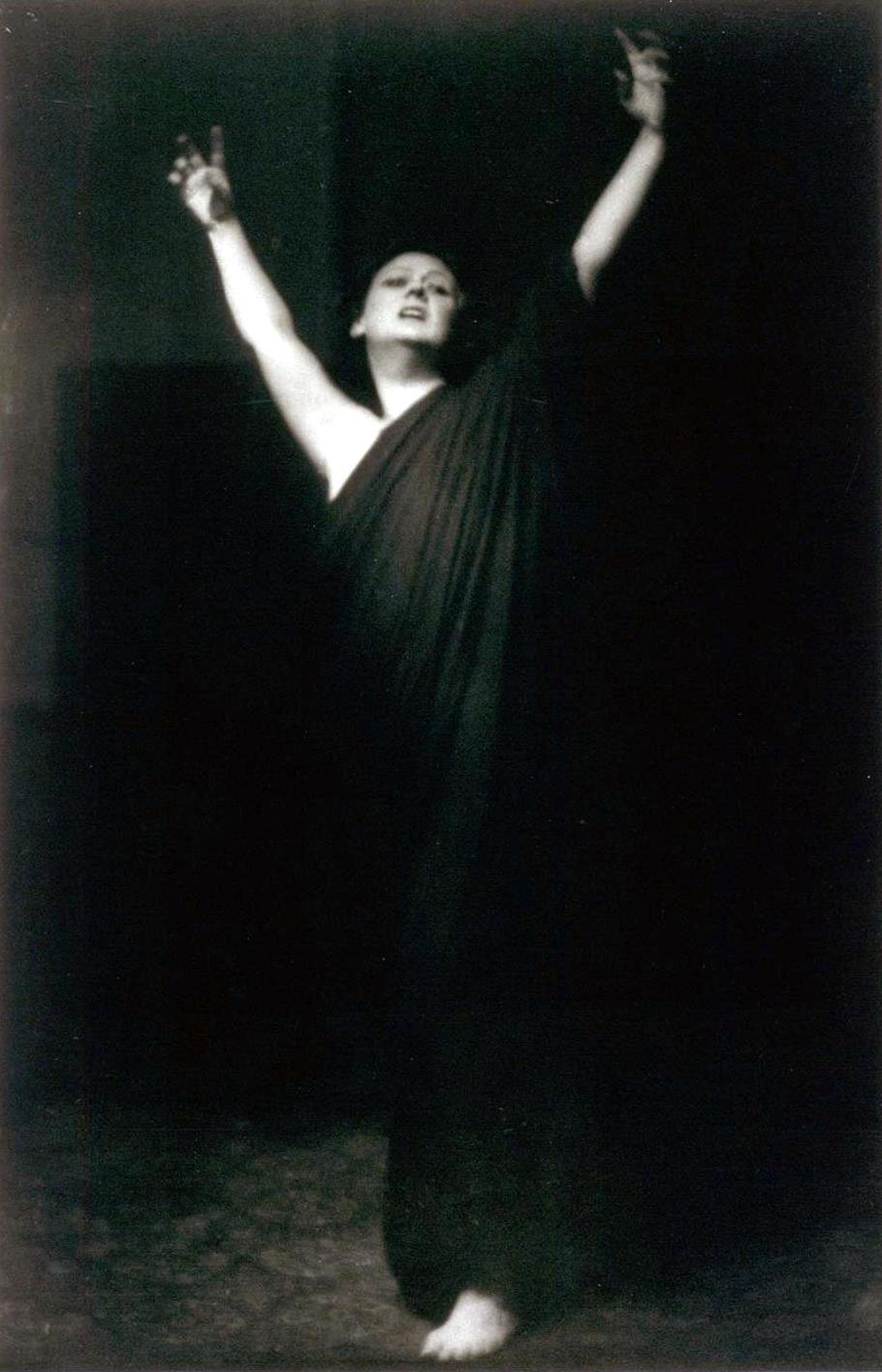 Isadora Duncan fotografiada por Arnold Genthe