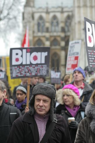 Eno en una protesta contra la guerra de Iraq (enero, 2010)