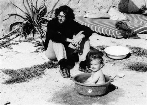 Pau Riba y su hijo Pauet, en Formentera. Foto: Mario Pacheco