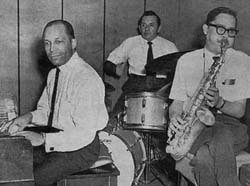 The John Young Trio - A Touch Of Pepper