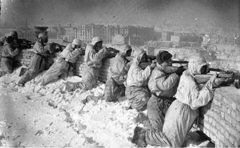 Soldados del ejército ruso en la batalla de Stalingrado, 1943