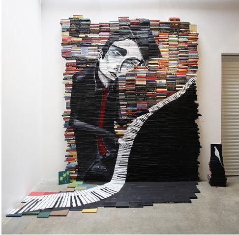 Instalación de Stilkey realizada con 2000 libros