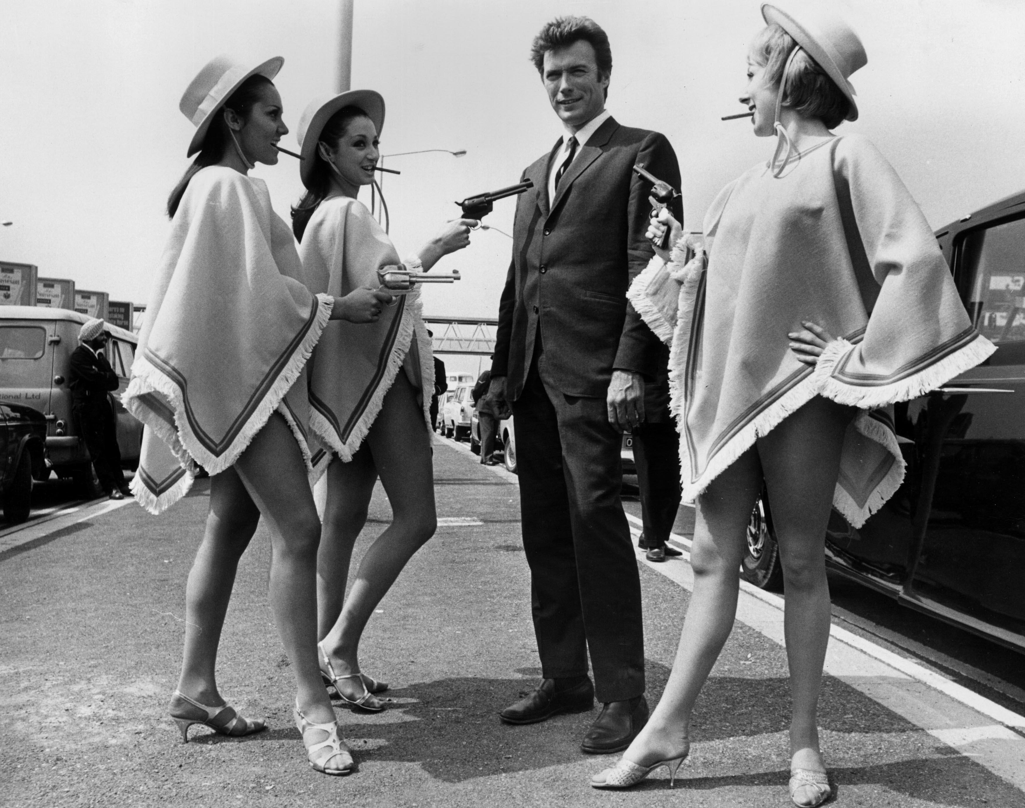 """Haciendo promoción de """"Harry el sucio"""", 1971"""