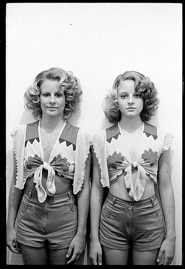 """Jodie Foster (izquierda) y su hermana Connie, que fue su doble en """"Taxi Driver"""" (Foto: Steve Schapiro)"""