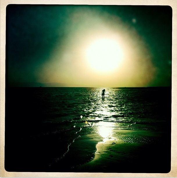 Puesta de sol en la costa de Sinaí, Egipto, 8 de junio de 2012 (Foto de Laurael Tantawy)