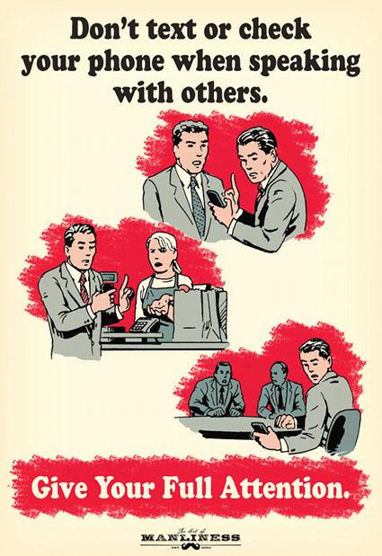 No mandes mensajes ni revises tu teléfono mientras hablas con otros