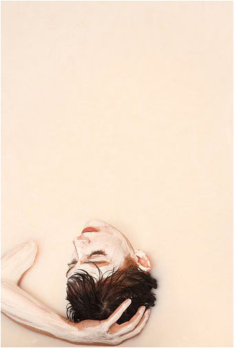 'White Out' - Alexa Meade y Sheila Vand