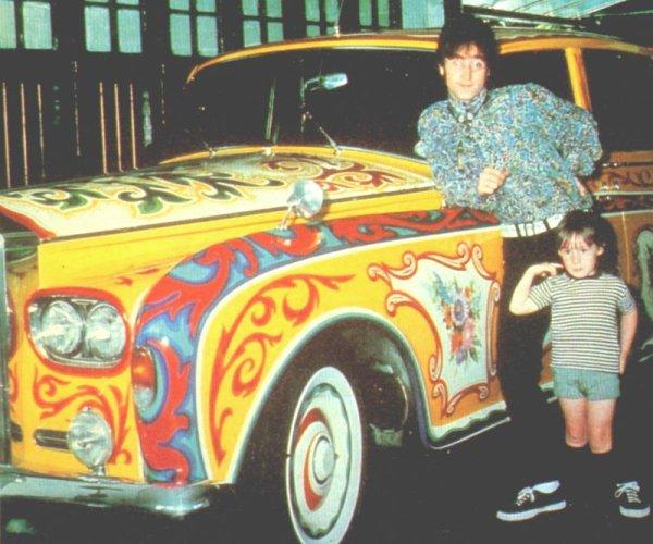 Lennon, Julian y el Rolls