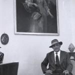 Genco Russo en su casa, Sicilia, 1959 © Sergio Larraín / Magnum Photos