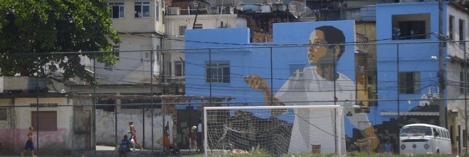 'Boy With Kite' (2006), Vila Cruzeiro. (Australfoto/Douglas Engle)