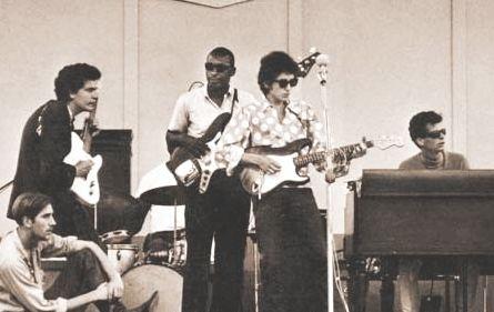 Bob Dylan en Newport-1965, eléctrico por primera vez