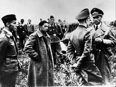 Yákov Dzhugashvili, entre nazis