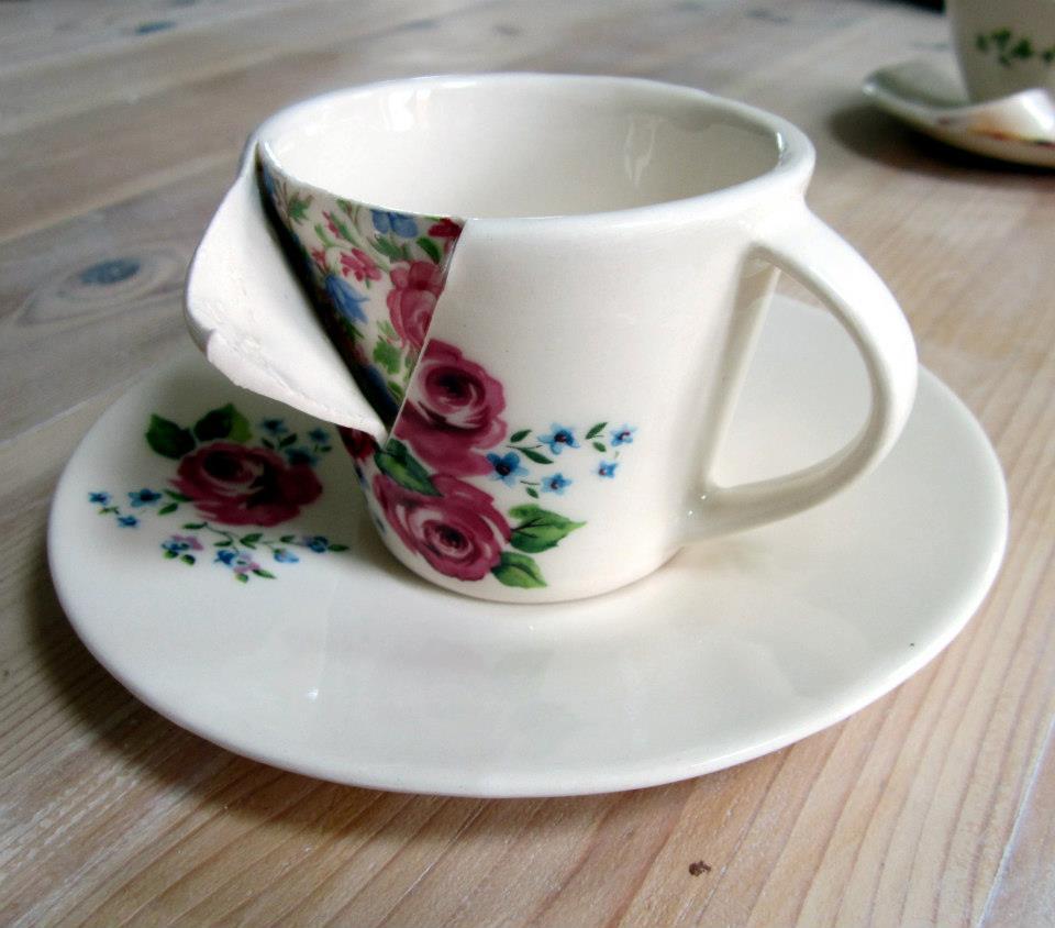 Una de las piezas de porcelana 'diseccionada' de Beccy Ridsdel