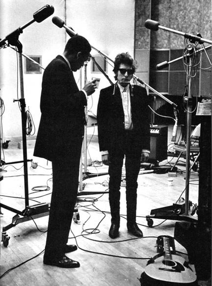 Tom Wilson y Bob Dylan en el estudio, 1965