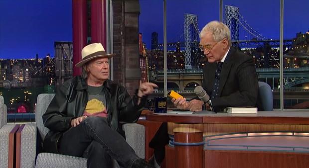 Young presentó en público el Pono en el programa de televisión de David Letterman a finales de 2012