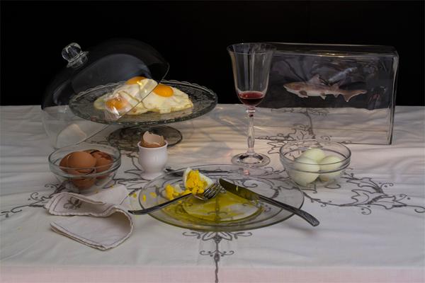 Durante 9 meses, Charles Saatchi (empresario y coleccionista de arte) comió sólo 9 huevos al día, tres en cada comida. Foto: Dan Bannino