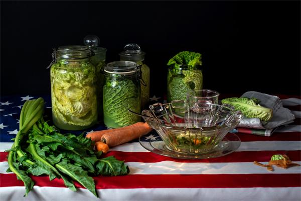 Bodegón que representa la dieta de la sopa de repollo que siguió de Bill Clinton - Foto: Dan Bannino