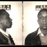 David Clemons mató a su padre con un hacha en 1944 porque creyó que le había cambiado la hora al despertador. Lo internaron en un psiquiátrico (smalltownnoir.com)