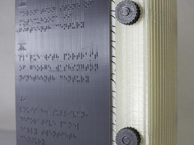 Contraportada de 'Folium' en braille