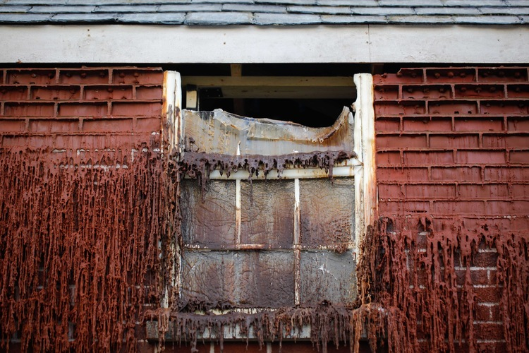'The Melting House' - Alex Chinneck