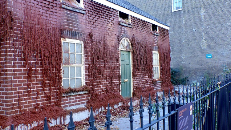 'The Melting House' - Alex Chinneck - Foto: Angie Dixon