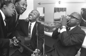 Muddy Waters, Otis Spann, Sonny Terry y Brownie McGee, 1964 © John 'Hoppy' Hopkins