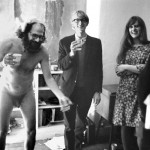 Allen Ginsberg se desnuda en una reunión poética en Londres, 1965 © John 'Hoppy' Hopkins