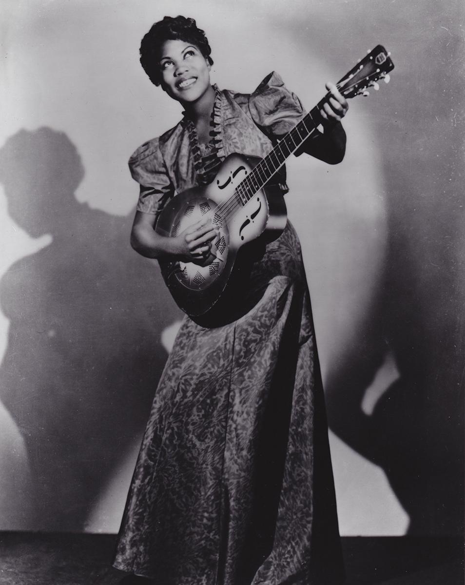 Sister Rosetta Tharpe (1915-1973). Foto: James J. Kriegsmann, 1938