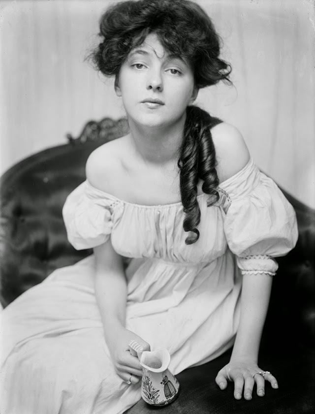 Evelyn Nesbit retratada por Gertrude Käsebier (1900)