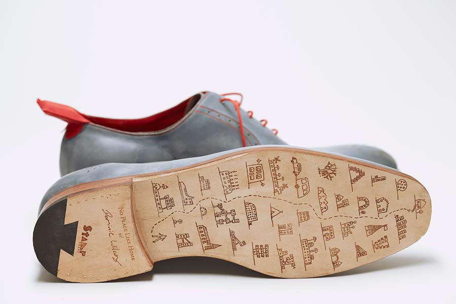 'No Place like Home', zapatos con GPS de Dominic Wilcox