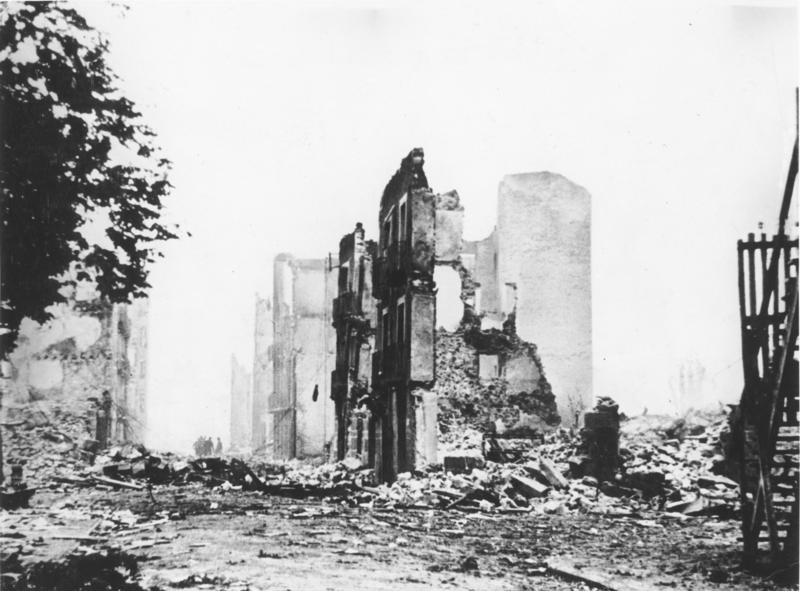 Guernica tras el bombardeo - Foto: Bundesarchiv