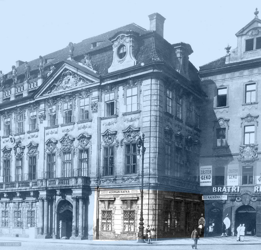 La tienda del padre de Kafka en la Staromestske Namesti (Plaza de la Ciudad Vieja) de Praga, en torno a 1920