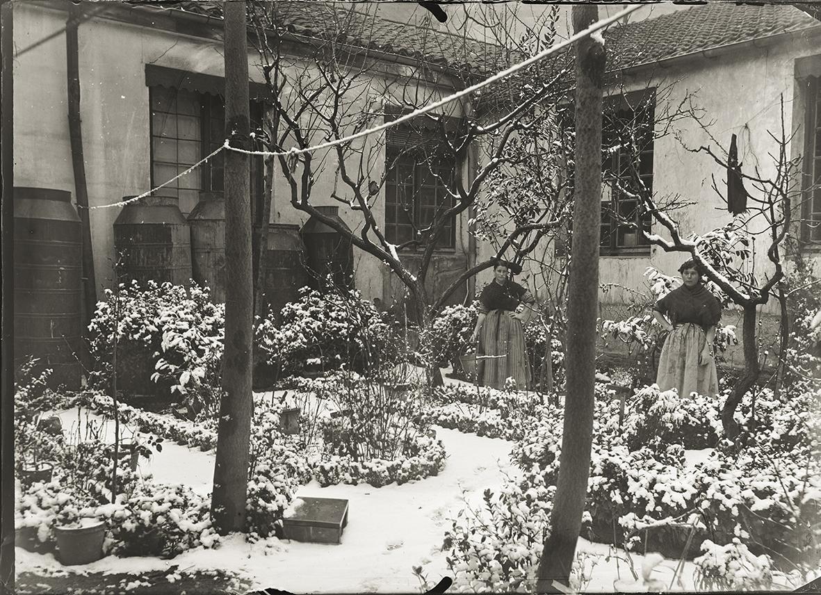 Almayso. Patio de Amaniel 29 nevado, finales del s.XIX © Fondo Almayso