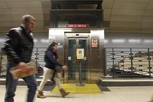 Ascensor del Metro de Madrid averiado
