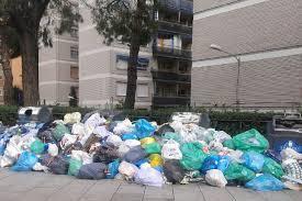 Acumulación de basura Alcorcón. Foto: A. L.Acumulación de basura Alcorcón. Foto: A. L.
