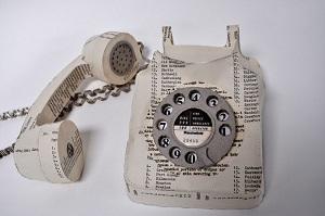 Un teléfono reciclado. (ARCHIVO)