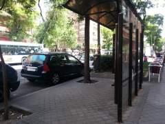 Captura de un turismo estacionado ilegalmente en la zona centro de Madrid. (Captura de un turismo estacionado ilegalmente en la zona centro de Madrid. (Captura de un turismo estacionado ilegalmente en la zona centro de Madrid. (Rubén F.)
