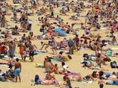 Una playa española, en una imagen de archivo. (EFE)