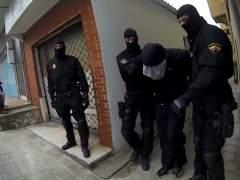 Momento en el que la Policía Nacional detuvo en Santander al presunto pederasta de Ciudad Lineal (Madrid). (Momento en el que la Policía Nacional detuvo en Santander al presunto pederasta de Ciudad Lineal (Madrid).