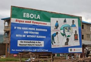 Un cartel con información de interés público sobre los síntomas del ébola en Freetown, Sierra Leona. (GTRES)