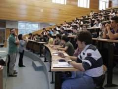 Jóvenes universitarios. (ARCHIVO)