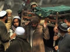 Entierro de las víctimas de Peshawar (EFE)