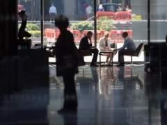 Trabajadores reunidos en una empresa  (FORBES)