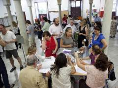 Un colegio electoral de Sevilla, durante las elecciones municipales de 2011. (ARCHIVO)