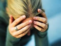 Una chica víctima de acoso. (GTRES)
